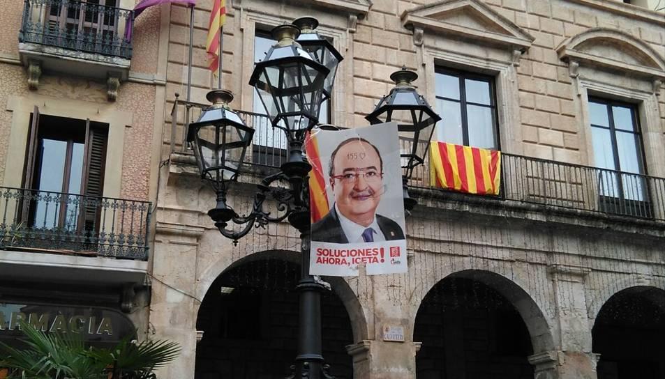 Pintades al cartell de Miquel Iceta