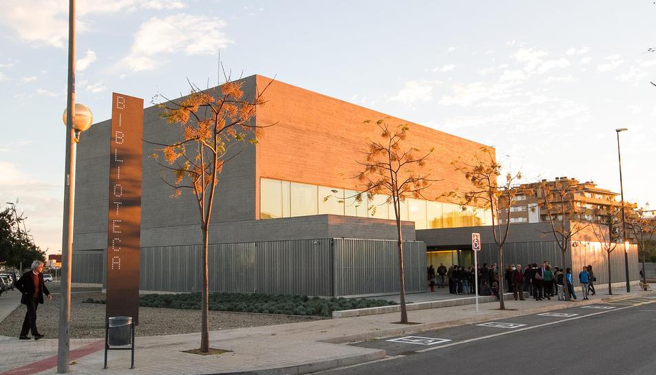 L'edifici es troba ubicat a la zona de Mas Iglesias.