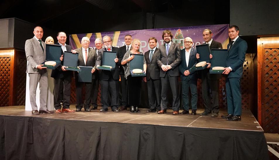 Imatge de família de tots els premiats en la gala celebrada aquest dimecres al restaurant La Boella.