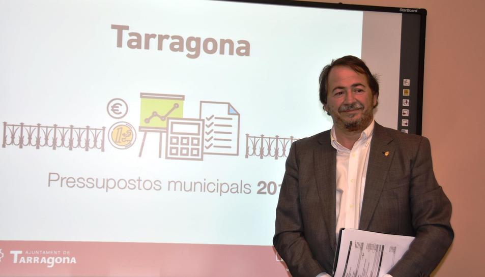 El regidor d'Economia i Hisenda de l'Ajuntament, Pau Pérez, ahir durant la presentació dels pressupostos municipals.