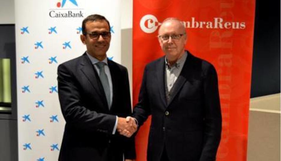 El president de la Cambra reusenca, Isaac Sanromà, i el director territorial de CaixaBank a Catalunya, Jaume Masana.