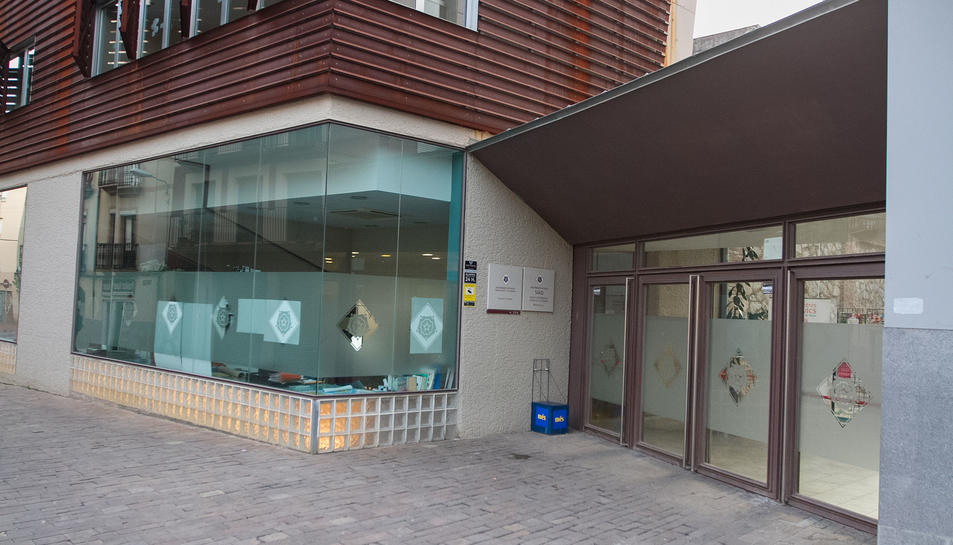 El SIAD s'ubica al Casal de les Dones, a la plaça de la Patacada.