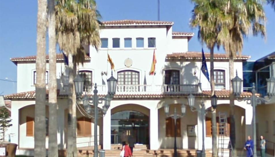 Imatge de la façana de l'Ajuntament de Roda de Berà.