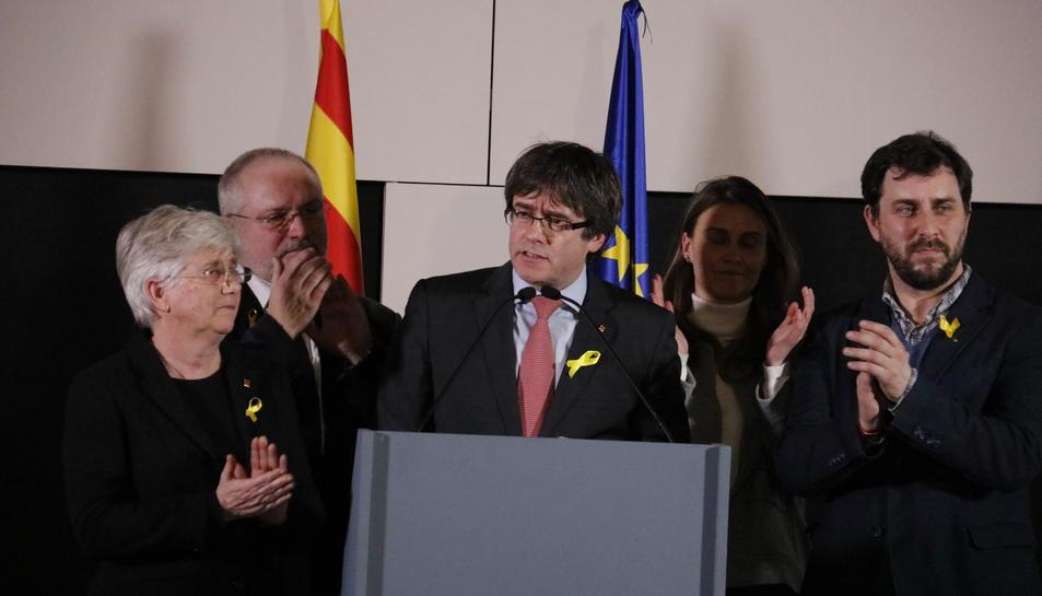 El presidente Puigdemont y los consellers destituidos Toni Comín, Meritxell Serret, Lluís Puig y Clara Ponsatí en Bruselas gastado es de las elecciones del 21-D