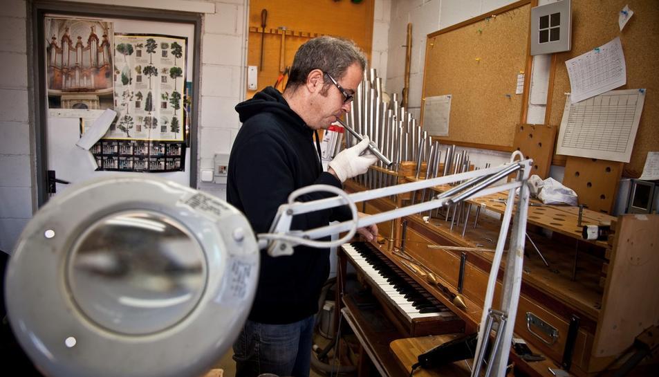 Fa mesos que s'està treballant amb el nou orgue.