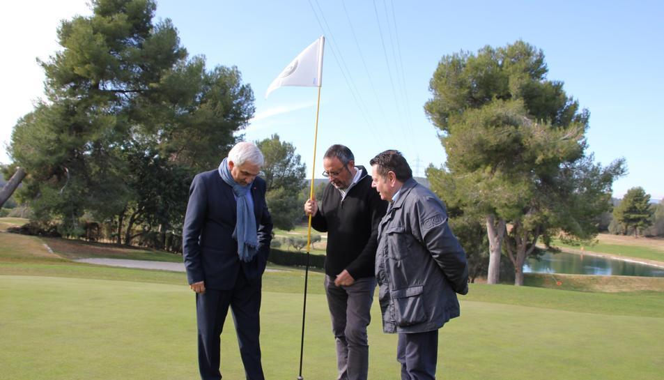 Plana, Monzó i Mallol durant la visita a les instal·lacions.
