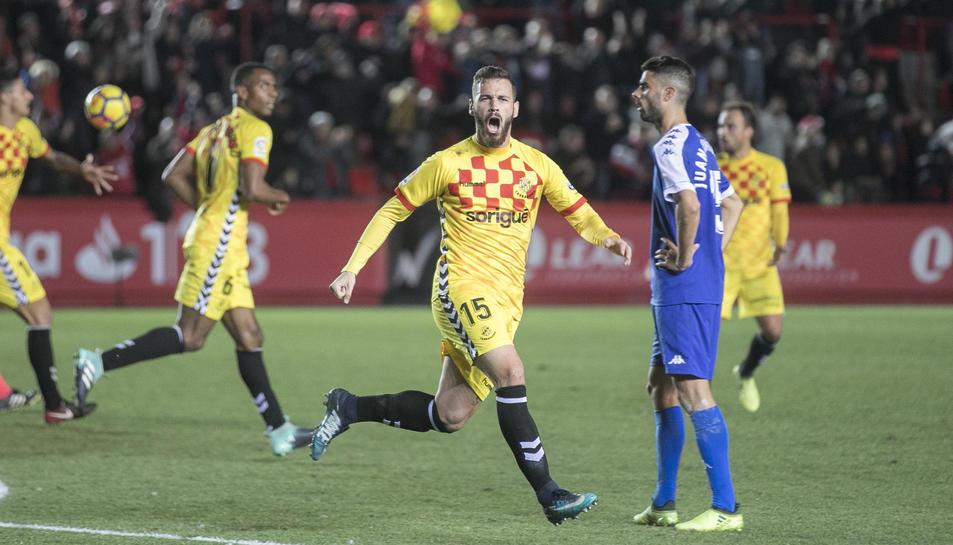 Álvaro Vázquez celebra el gol anotat contra el CF Reus.
