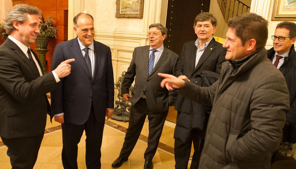Tebas va coincidir amb els presidents de CF Reus, Xavier Llastarri, i de Nàstic, Josep Maria Andreu.