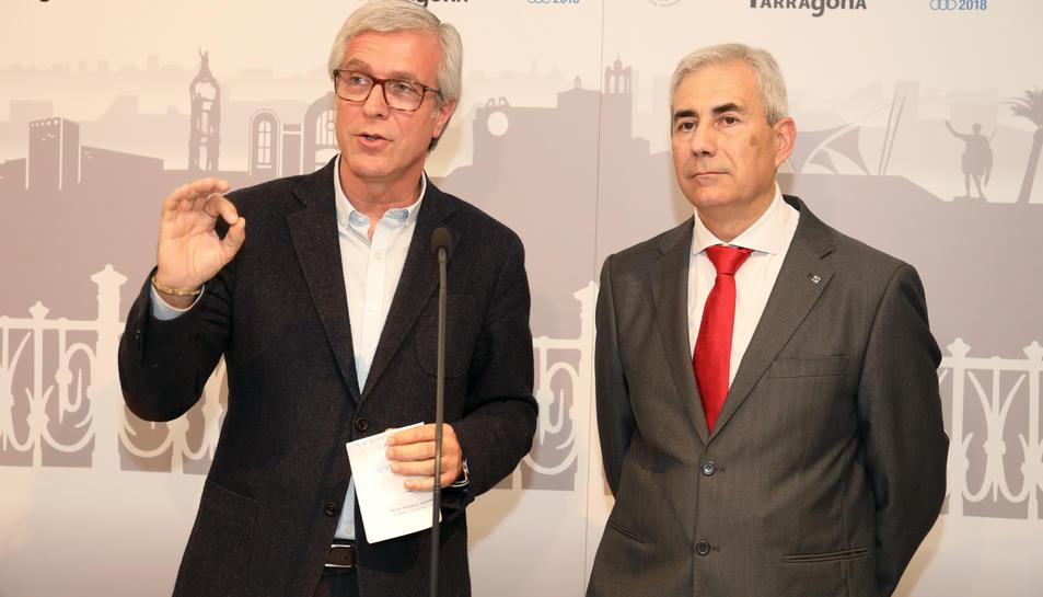 L'alcalde Ballesteros i Josep Maria Barberà, avui durant la roda de premsa a l'Ajuntament.