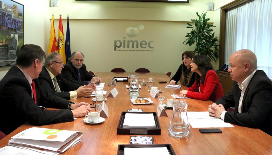 La líder de Cs a Catalunya, Inés Arrimadas, i els diputats Laura Vílchez i Joan García s'han reunit amb el president de PIMEC, Josep González.
