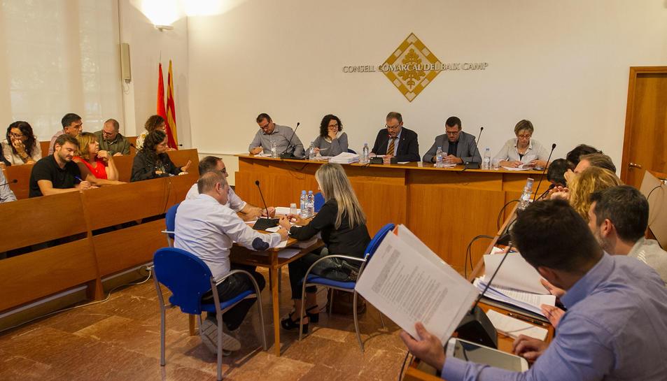 Imatge d'arxiu d'un ple del Consell Comarcal del Baix Camp.