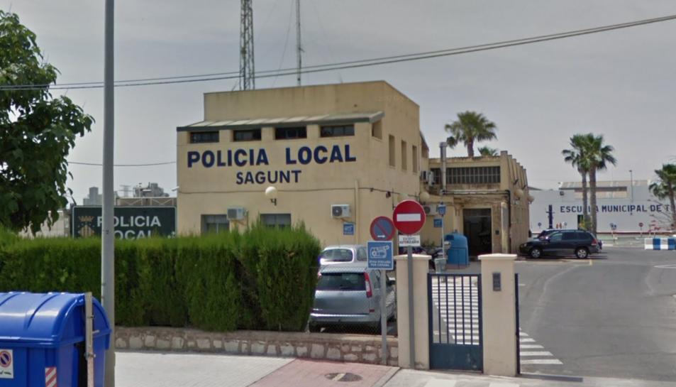 Els agents van aconseguir calmar a mare i filla i no van necessitar assistència mèdica.