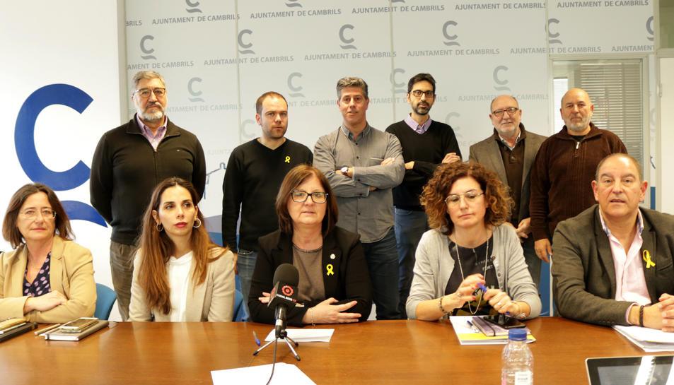 L'alcaldessa, Camí Mendoza, i el seu equip de govern han explicat el motiu de la suspensió del Ple.