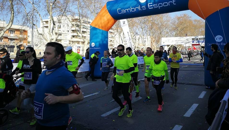 Imatge de la sortida de la mitja marató