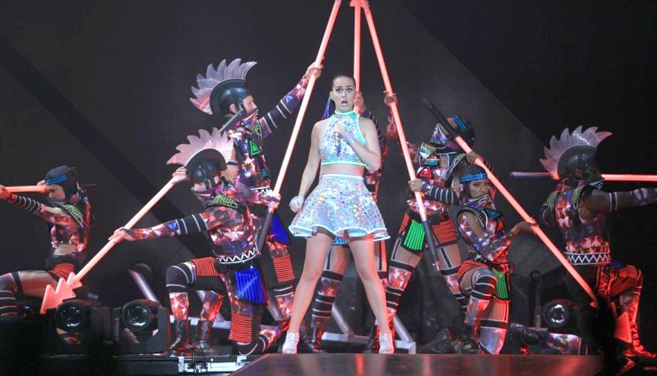 Katy Perry durant un concert.