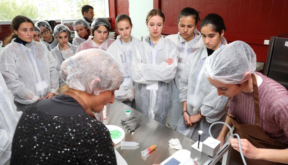 La URV vol aconseguir augmentar el nombre d'estudiants femenines a les Enginyeries.
