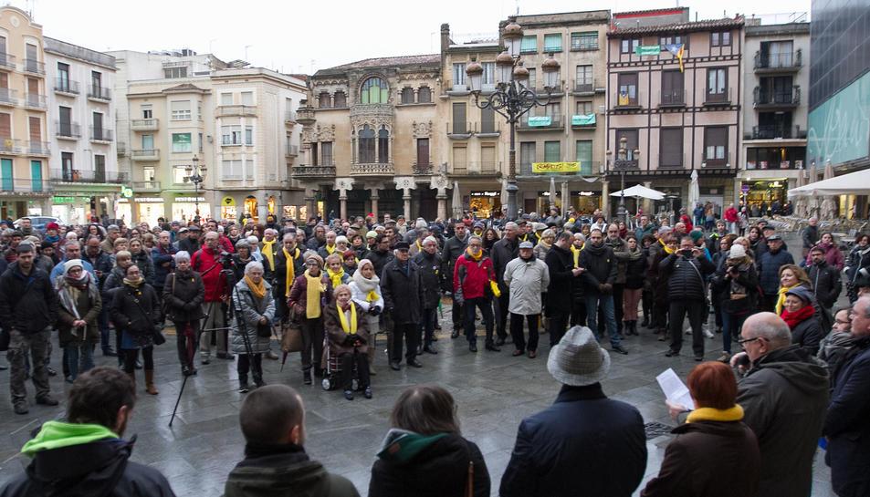 A Reus s'han concentrat a la plaça del Mercadal.