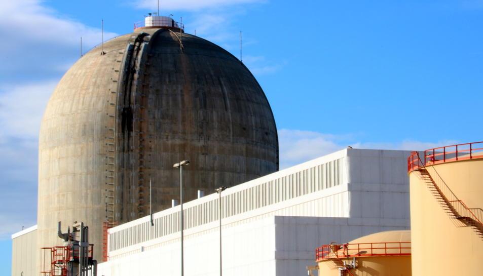 Imatge d'arxiu de l'edifici de contenció del reactor de Vandellòs II.