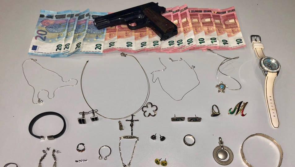 Totes les joies que va robar i l'arma que utilitzava