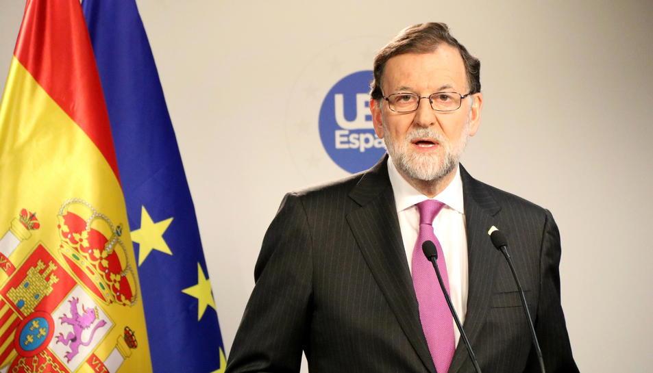 El president espanyol s'ha reunit amb el líder del PSOE, Pedro Sánchez, i han matisat que hi seguirà havent un control de les finances.