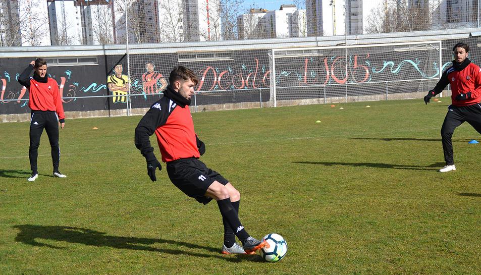 Fran Carbia a l'entrenament d'ahir amb el Reus a