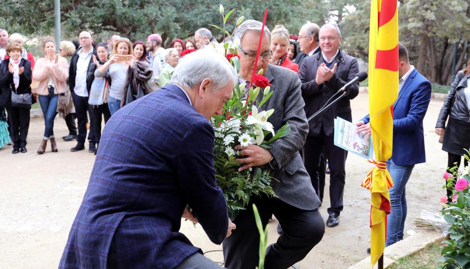 Galería de imágenes de la ofrenda floral a Blas Infante en el Camp de Mart