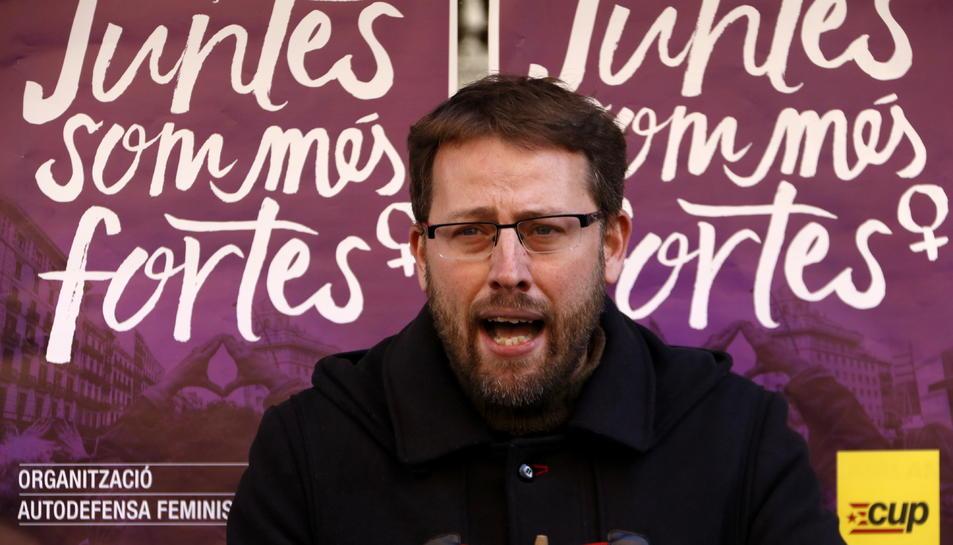 El diputat de la CUP Vidal Aragonès, en roda de premsa després de la reunió del Consell Polític de la formació