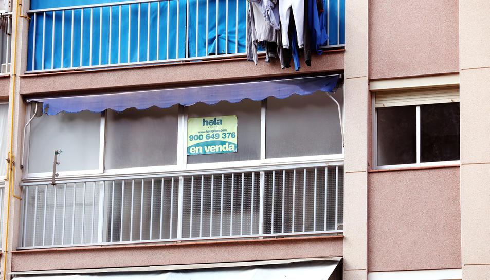 Detall d'un dels pisos en venda a Sant Salvador.