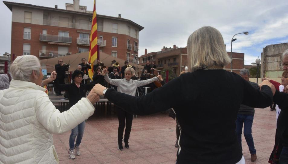 La entidad ha conmemorado el aniversario con un baile de sardanas