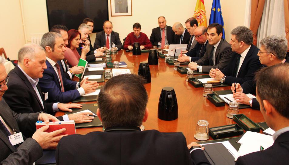 El secretari d'Estat de Seguretat, José Antonio Nieto, i els representants de les policies espanyoles al Ministeri de l'Interior.