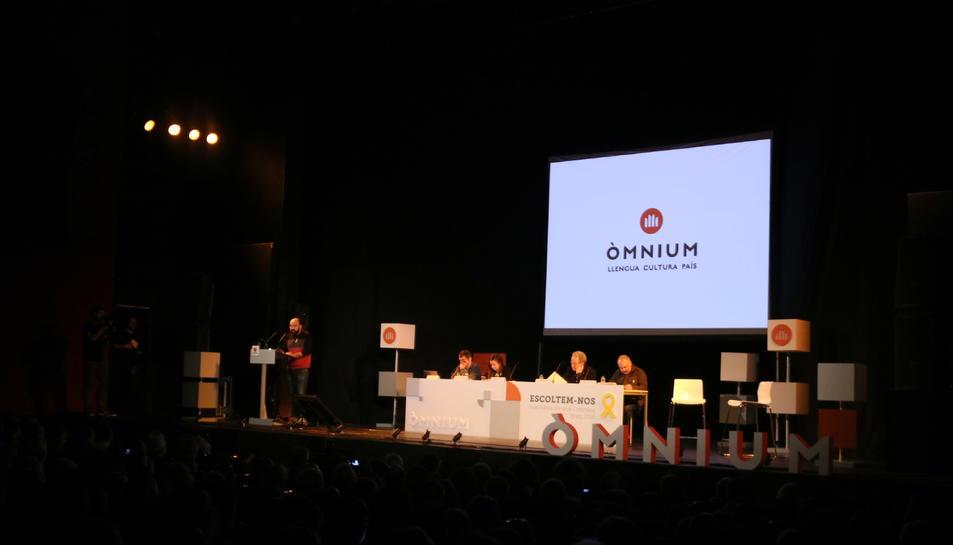 Òmnium Cultural celebra l'Assemblea General Ordinària de l'entitat al teatre Victòria de Barcelona.