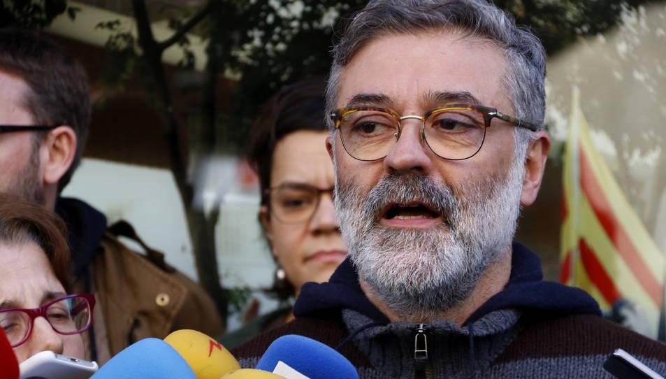 El diputat de la CUP Carles Riera, fent declaracions després de la reunió del seu Consell Polític.