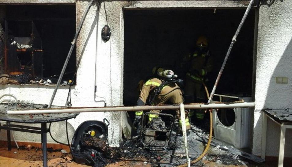 Imatge de l'habitatge cremat a Miami Platja.