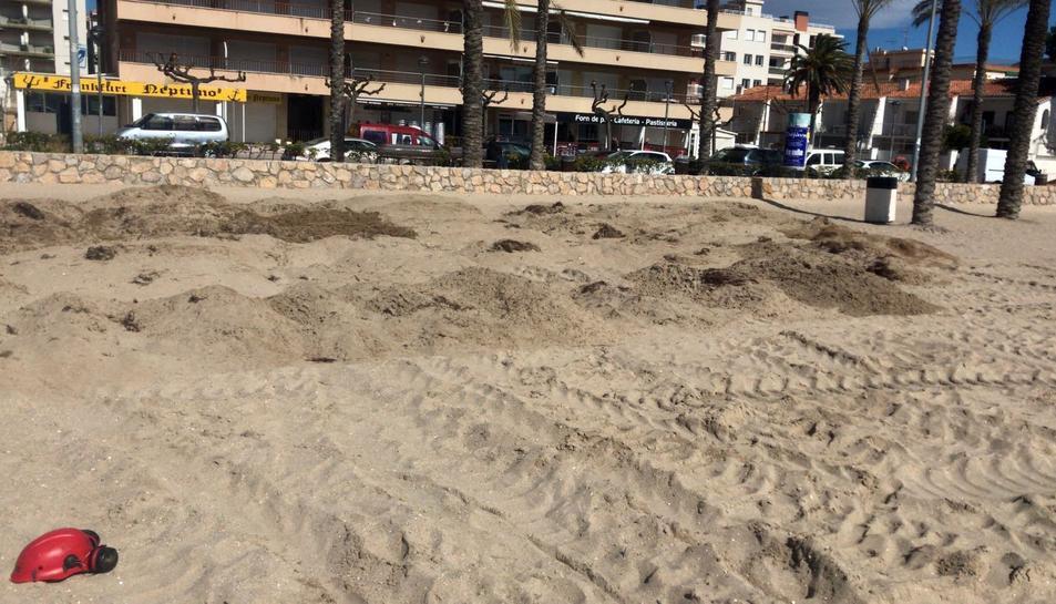 Calafell busca una solució ala regressió de les platges.