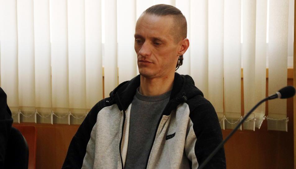 Stanislav R., l'acusat de l'assassinat i una temptativa de violació de la jove Meritxell Vall, en l'inici del judici.