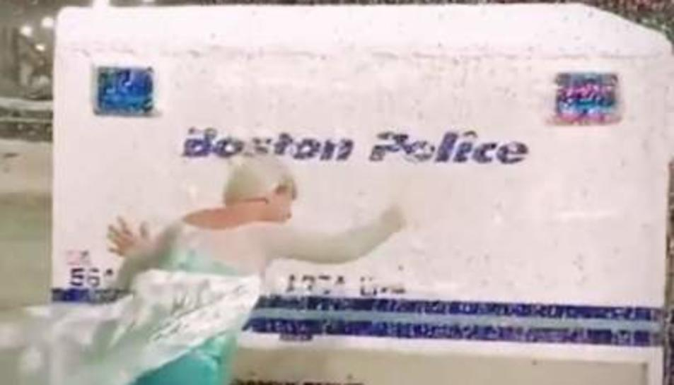 Imatge del rescat del furgó policial de Boston.