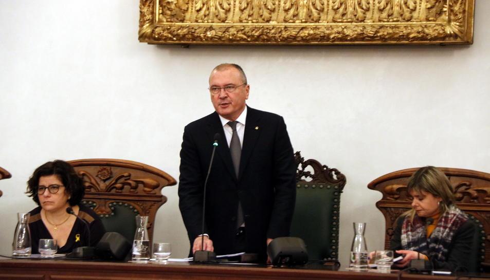 Imatge d'arxiu de l'alcalde de Reus, Carles Pellicer, durant un plenari municipal.