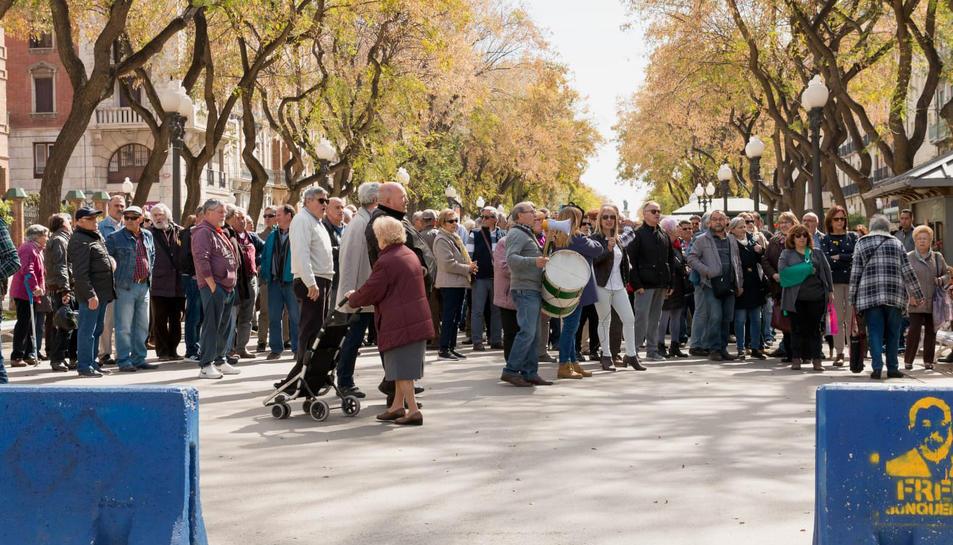 El col·lectiu es concentrarà tots els divendres a la plaça de la Font.