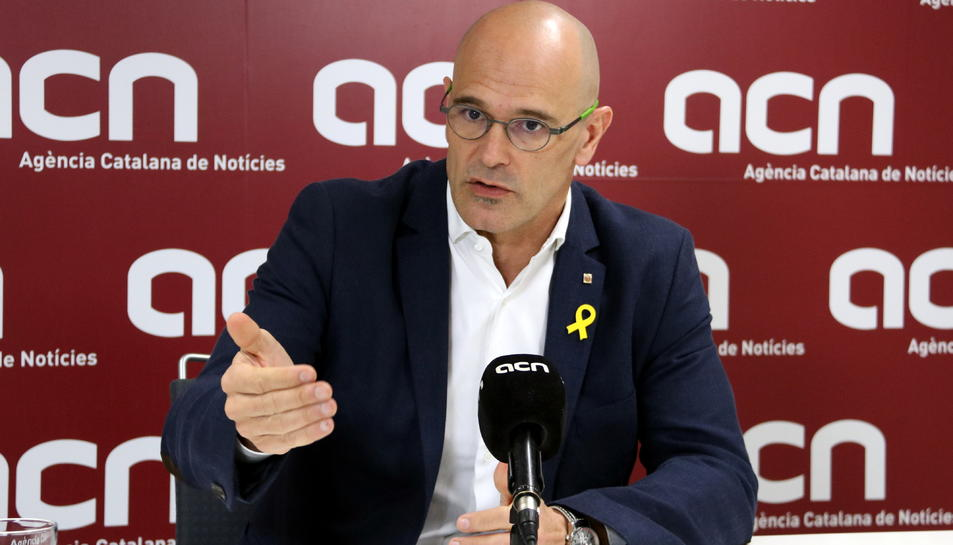 El diputat d'ERC, Raül Romeva, en un moment d'una entrevista a l'ACN.