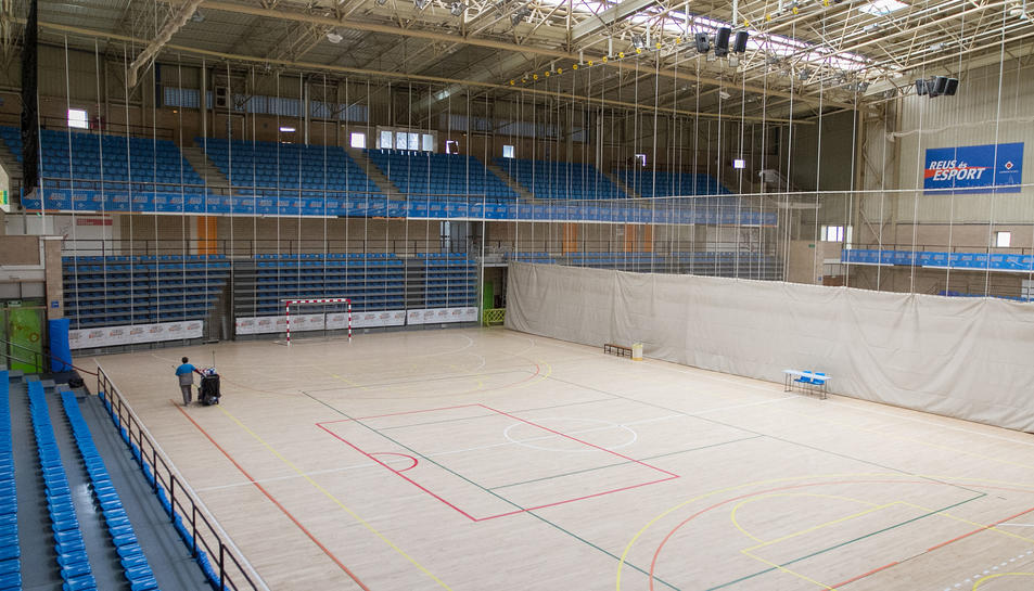 L'interior de les instal·lacions del Pavelló Olímpic, que es localitza al carrer Pintor Fuster.