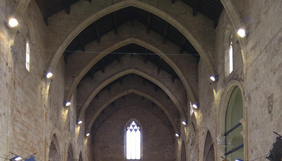 Pla general de la passada edició de Brickània de Montblanc i dels diorames de Lego exposats a l'església de Sant Francesc