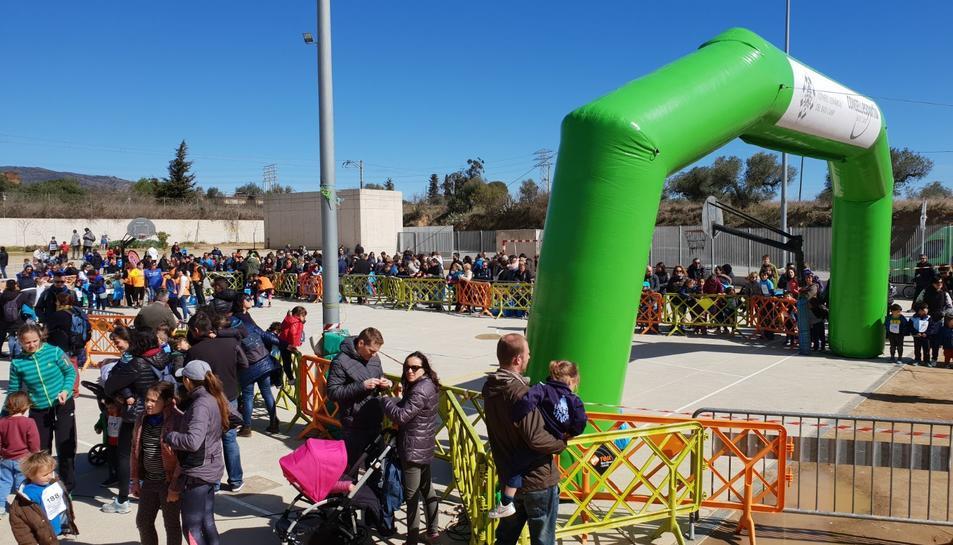 En el cros hi van participar també alumnes d'altres centres, així com familiars o atletes.