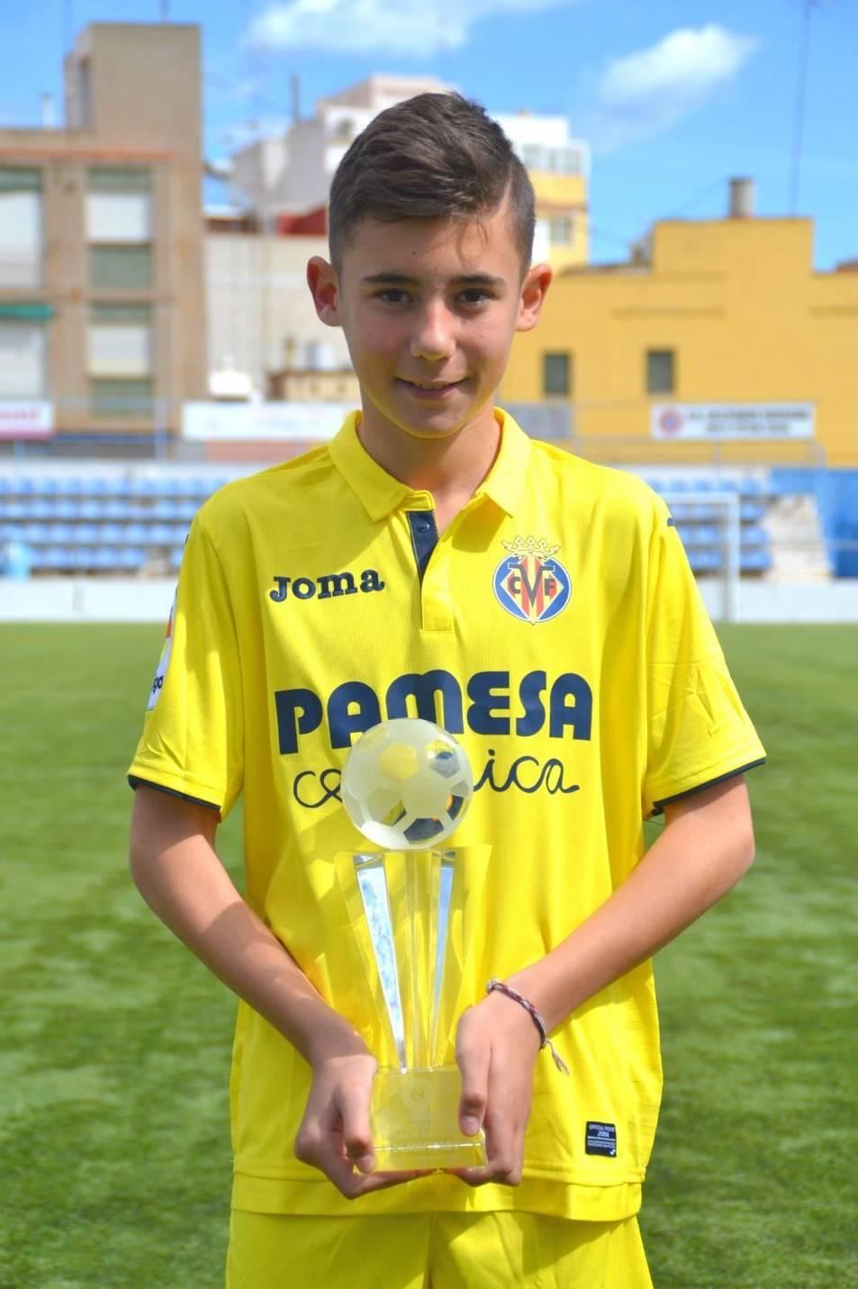 Izan Morán, amb el trofeu de subcampió.