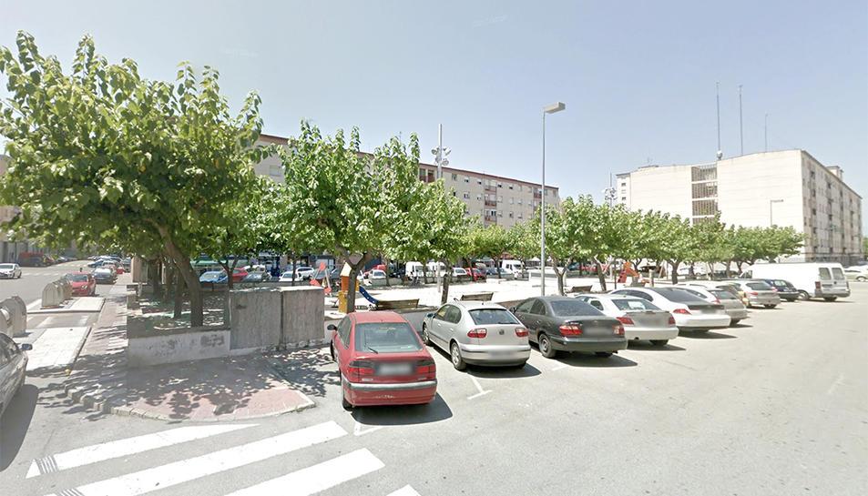 Els agents van localitzar les armes dins un vehicle a la plaça de Catalunya de Sant Pere i Sant Pau.