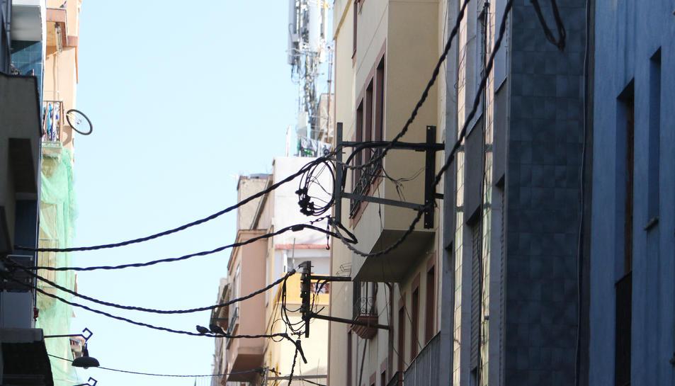 El soterrament dels cables de llum i telefonia del Serrallo és una de les propostes de Cs.