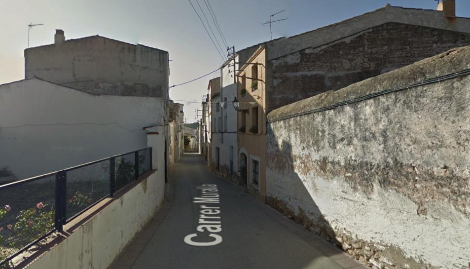 L'incendi s'ha produït en un habitatge del carrer Muralla de Bonastre.