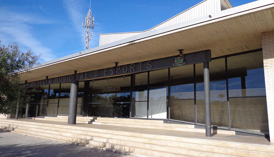 Imatge de les instal·lacions de la piscina municipal de Salou.