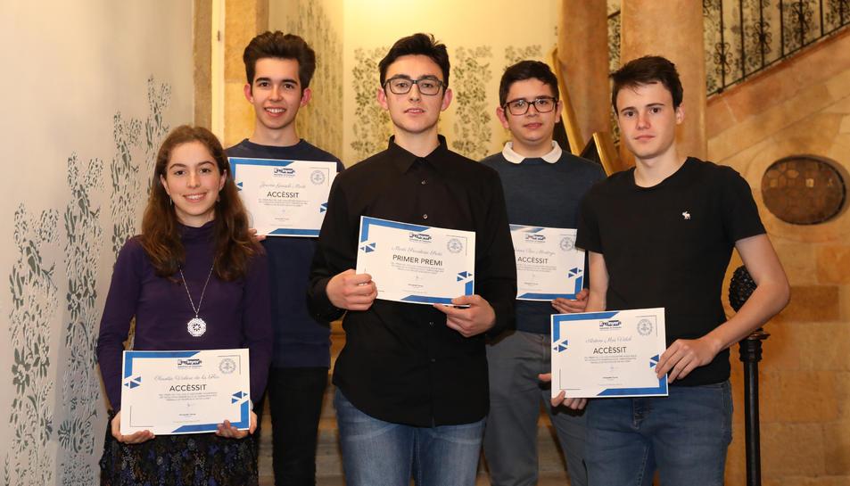 Fotografia de grup dels finalistes d'aquesta primera edició dels premis del Col·legi d'Enginyers.