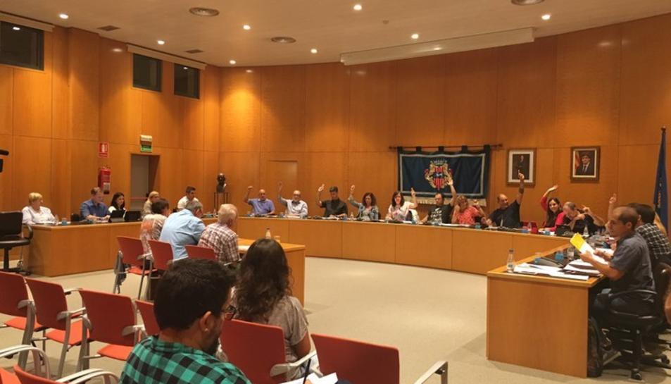 Imatge d'arxiu d'una sessió plenària a l'Ajuntament de Cambrils.