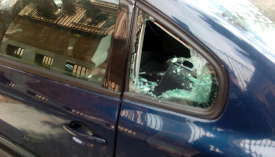 Más cristales rotos en vehículos en Tarragona